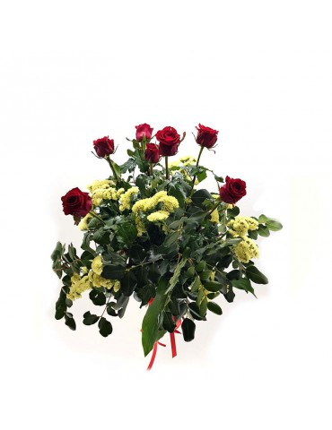7 rose rosse voluminose